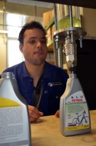 Im Werkheim Uster lassen wir unsere PETRUS Produkte abfüllen.