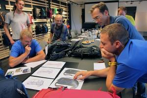 Unsere Entwickler Markus Flückiger und Fredy Ruhstaller (rechts) bei der Sitzung mit VAUDE.