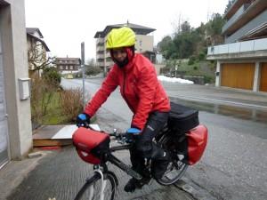 Carlo Ferrari testet die MONSUN 3 täglich auf seinem Arbeitsweg.