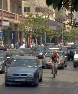 (Noch) ist Matt auf seinen Velofahrten durch Beirut ziemlich alleine.