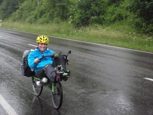 Kurz nach dem Start in Rheinfelden setzte Regen ein.