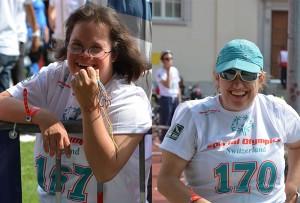 Katharina Steiner (links) und Martina Zigerli genossen den Anlass auch neben dem Velosattel.
