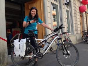 Bettina Werren beschliesst ihre #Tweloreise wo? Natürlich bei Veloplus.