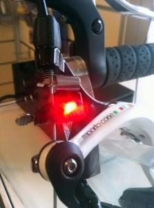 Sorgt für bessere Sichtbarkeit: Bremslicht von Ilumenox.