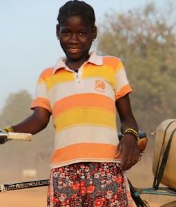 Mädchen und junge Frauen bekommen mit den Velos eine echte Hilfe im strengen Alltag.